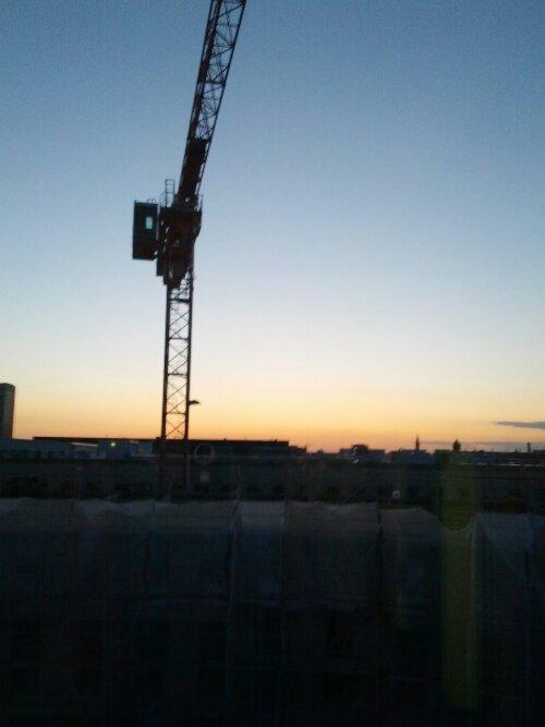 Blick auf den benachbarten Hotelneubau